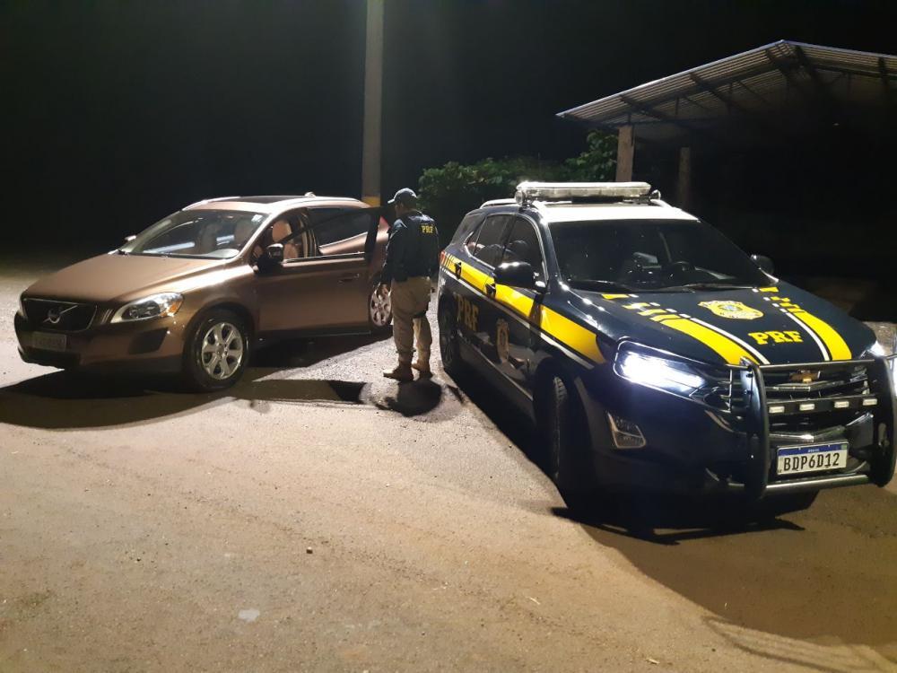 PRF recupera veículo roubado