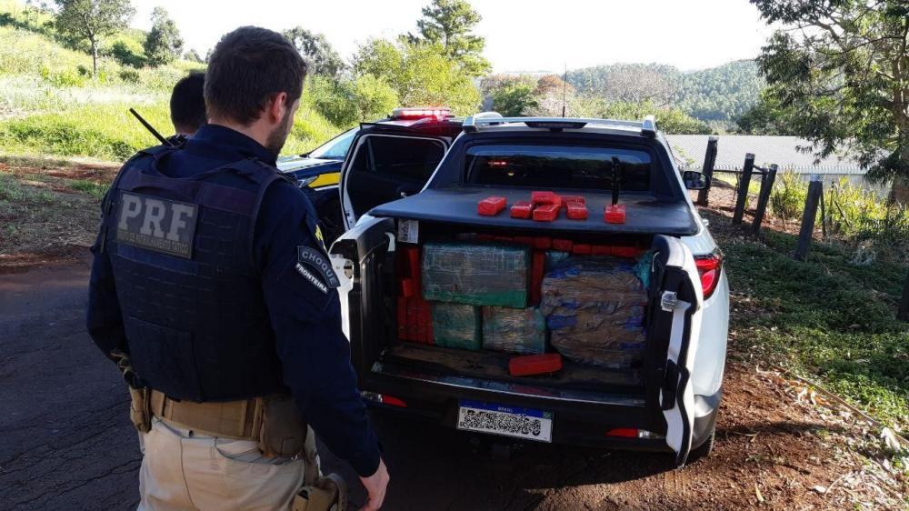 Após fuga, PRF prende homem com meia tonelada de maconha