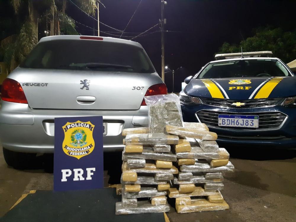 Em operação conjunta, PRF apreende mais de 600 quilos de maconha em Foz