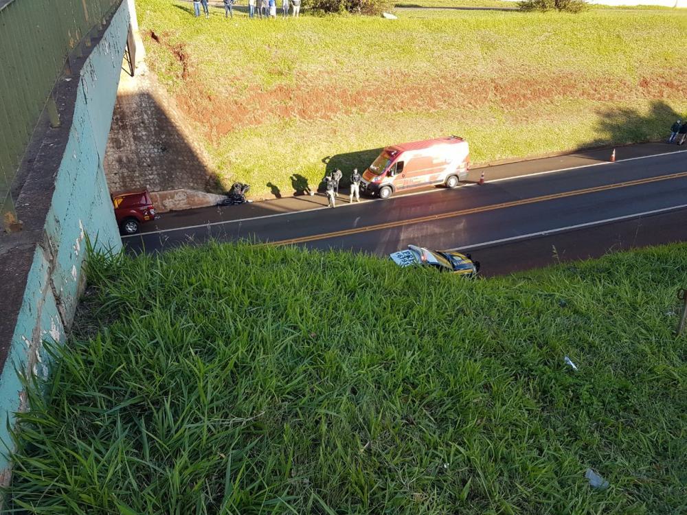 Ele caiu de uma altura de aproximadamente 10 metros   Foto: Divulgação PRF