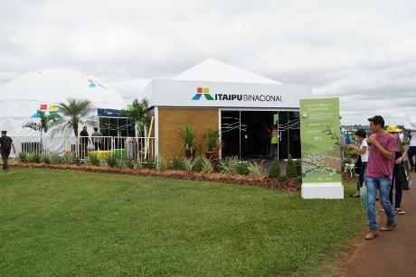 Estande da Itaipu chama atenção no Show Rural com ciência e tour virtual