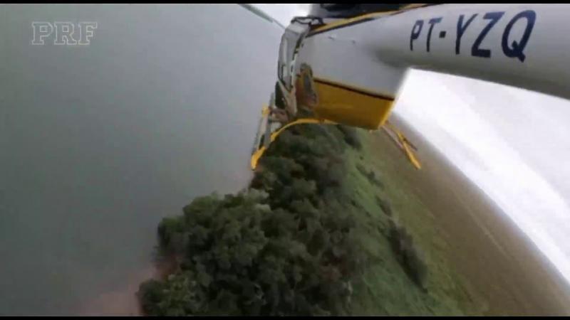Helicóptero da PRF auxilia nas buscas por soldado no Rio Paraná